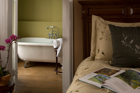 Croff House Inn soaking tub vignette.jpg